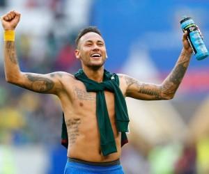 Neymar festeja em campo a vitória sobre os mexicanos - Lucas Figueiredo/CBF