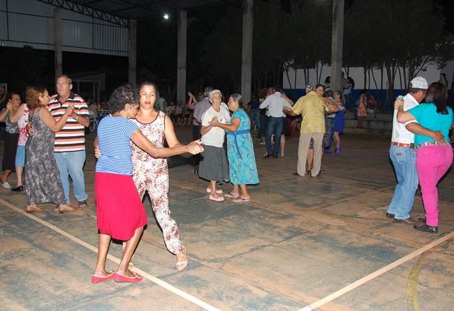 Momento da realização do baile - Fotos Adauto Dias / glorianews