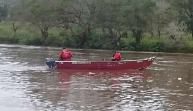 Leitores dizem ter visto um corpo boiando no rio Dourados da 10ªL entre Indápolis e Lagoa Bonita